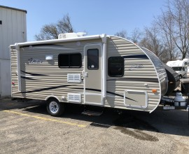 2019 Shasta Oasis 18BH Only 3163lbs
