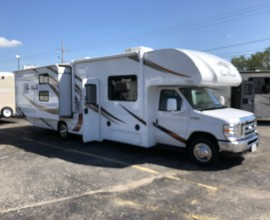 2019 THOR Fourwinds 30D Bunk House