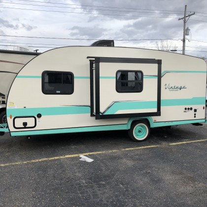 2019 Gulf Stream Vintage cruiser 19CSK  Sorry Sold