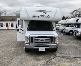 2019 THOR Fourwinds 22E X Rental