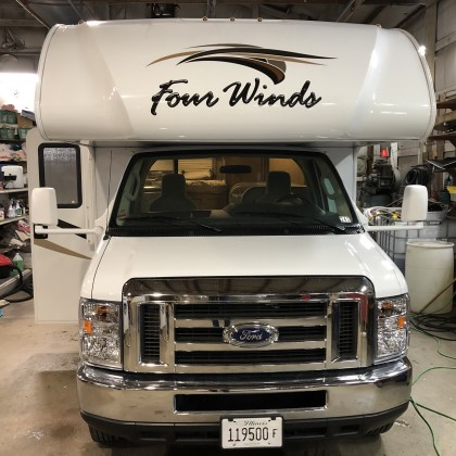 2019 THOR Fourwinds 22E  { SOLD }