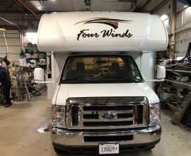 2019 THOR Fourwinds 30D  { SOLD }