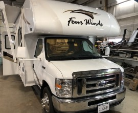 2019 Fourwinds 28Z {SOLD}